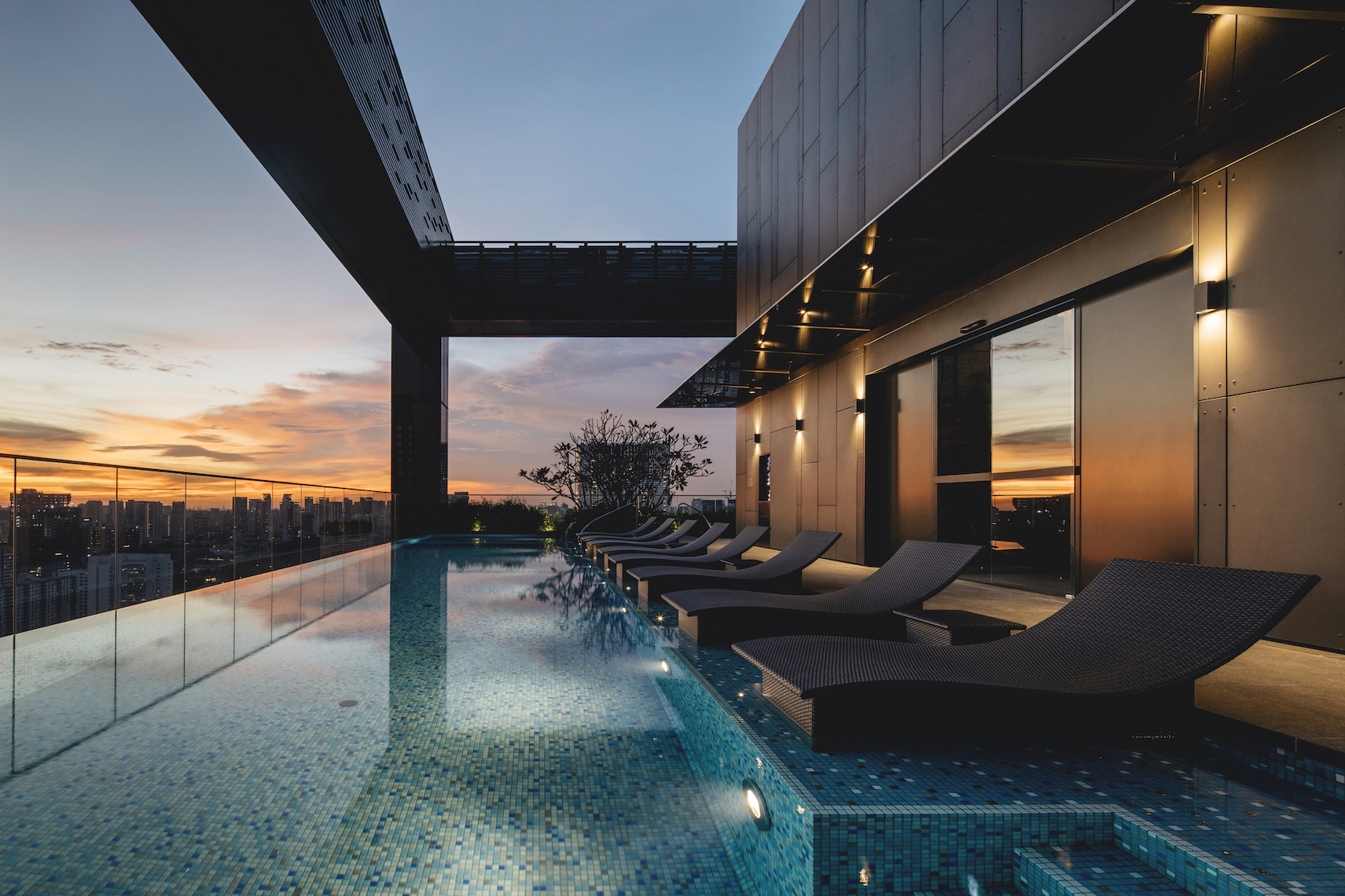 The Clan Hotel Singapore sky pool at night