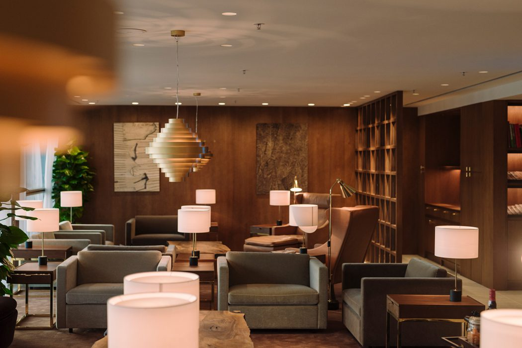 Best Airport Lounge Cathay Pacific